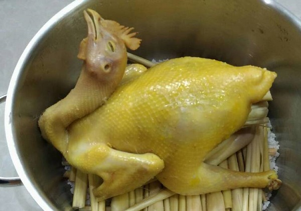 cách luộc gà bằng muối ngon