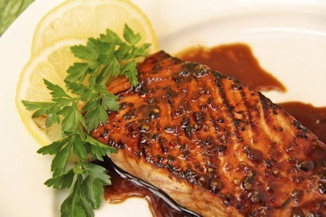 Món cá hồi nướng nguyên bản