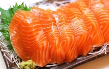 Món sashimi cá hồi