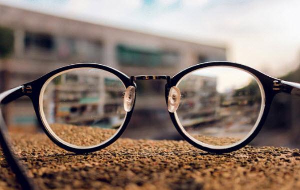 thuyết minh về kính đeo mắt - ảnh 8