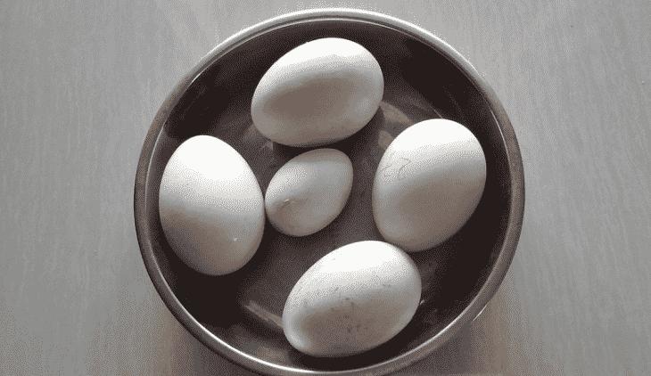 Luộc trứng ngỗng bao lâu thì chín?