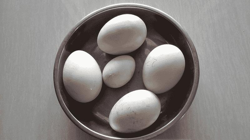 Hướng dẫn cách luộc trứng ngỗng