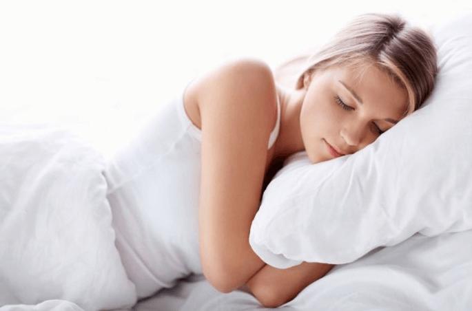 Ngủ nhiều sẽ khiến cho bạn bị mỡ mặt