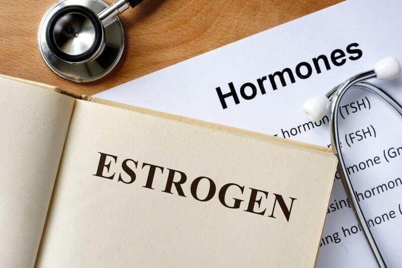 Nguyên nhân gây mụn cám phổ biến do sự thay đổi hormone trong cơ thể