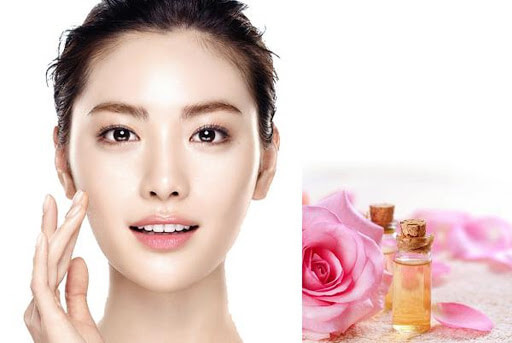Chăm sóc da mặt bằng cách sử dụng nước hoa hồng phù hợp