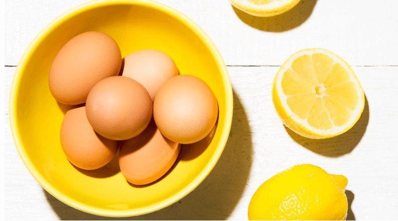 Chanh và lòng trắng trứng là nguyên liệu để tẩy da chết