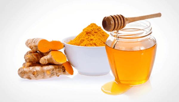 Nghệ tươi và mật ong là nguyên liệu tẩy tế bào chết chị em đừng nên bỏ qua