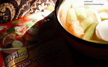 Canh chua chay thanh nhiệt nấu với gói gia vị Tom Yum Thái