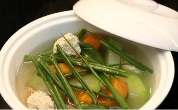 Cách làm món canh củ cải ngọt chả gà
